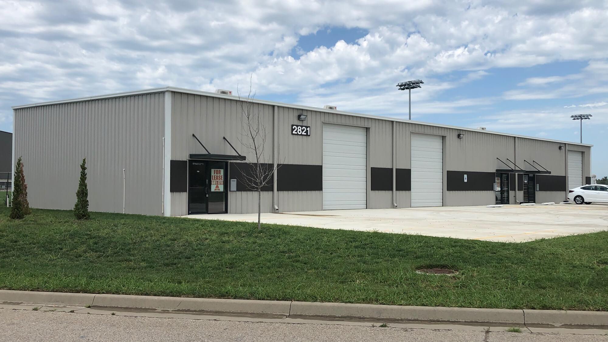 2821 N Regency Park Warehouse in Wichita, KS